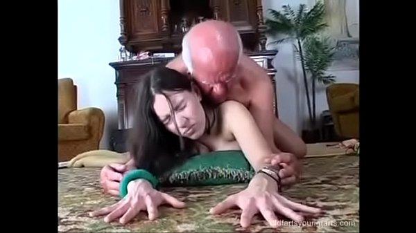 Nieta derizos y abuelo por dinero tu porno Nieta Tetuda Deja Que Su Abuelo La Penetre A Cambio De Dinero Xxx Porno Gratis